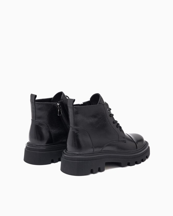 Демисезонные ботинки ROU с рифленой подошвой