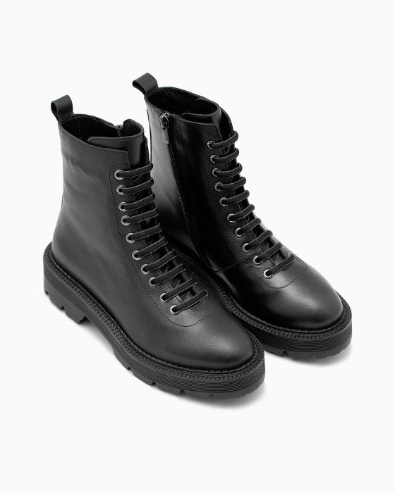 Демисезонные ботинки ROU с черно-серой шнуровкой