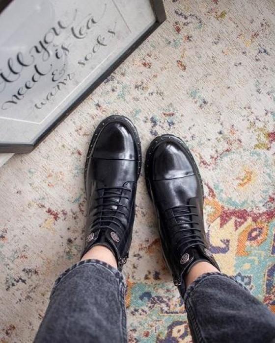 Зимние декорированные ботинки ROU на шнуровке