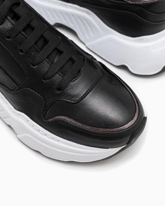 Черные массивные кроссовки ROU с белой подошвой