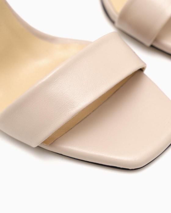 Бежевые кожаные босоножки ROU с носиком угловатой формы