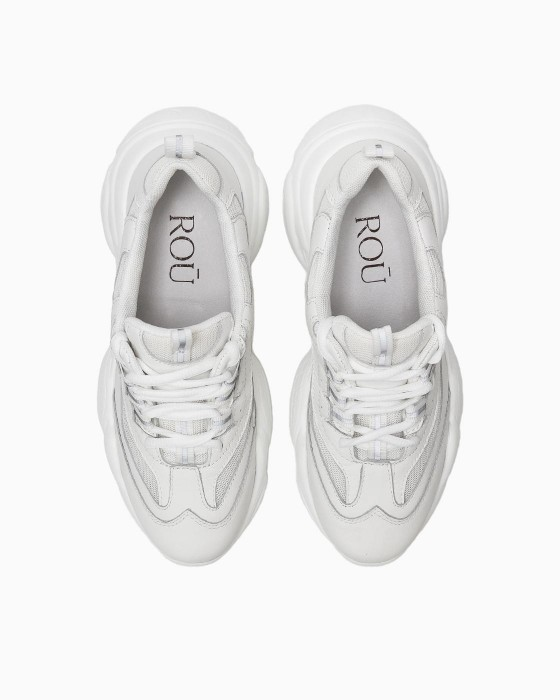 Белые кроссовки ROU на массивной EVA подошве