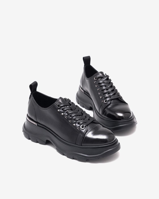 Черные массивные кроссовки ROU с шипами