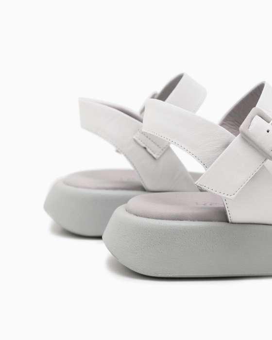 Белые кожаные сандалии ROU на серой спортивной подошве