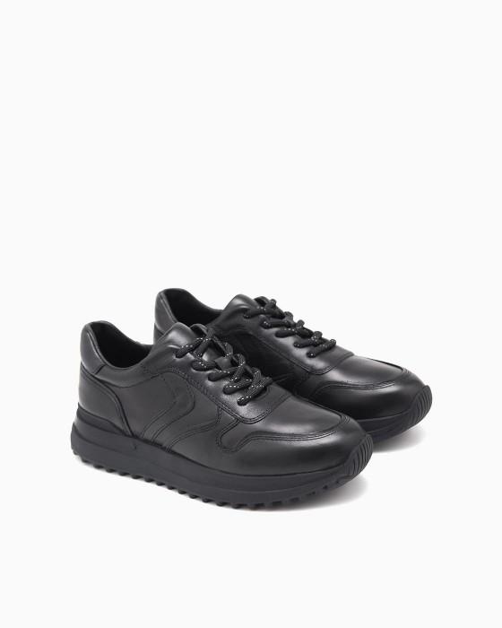 Однотонные черные кроссовки ROU