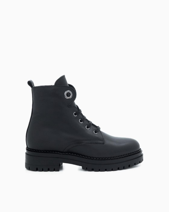 Зимние ботинки ROU на шнуровке с декором